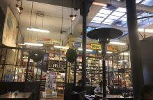 拉巴斯街头的咖啡馆