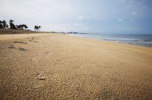 春节后去了一趟海南乐东,在龙沐湾温德姆至尊酒店住了三天,游览龙沐湾海滩、观赏最美日落、开车10几公里