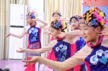 """""""台上一分钟,台下十年功"""",近日探访了水北小学宜黄戏班,看到了小演员们台下刻苦的训练与台上精彩的表演"""