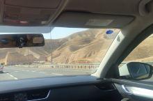 以色列北部土地富饶,尤其戈兰高地,但是从伯利恒开车出去半个小时,地貌就完全变成沙漠了,伯利恒还要穿厚