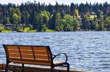 西雅图的璀璨明珠—华盛顿湖 华盛顿湖是美国华盛顿州第二大湖,也是西雅图最出名的一大湖。西邻西雅图、东