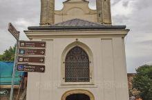 宁静小镇库特纳霍拉 库特纳霍拉城位于捷克波希米亚中部,距布拉格约60公里。公元14世纪时,这里因为开
