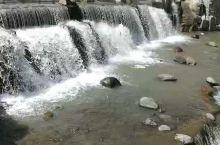 天山大峡谷美