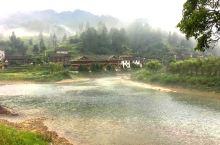 旅行贵州,最大的乐趣就是翻过一座山,跨过一条河遇见一个与世无争山清水秀的美丽村寨,这里仿佛就是诗人笔