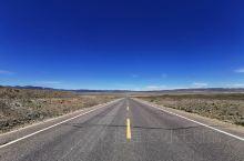 喀纳斯景区概况  喀纳斯景区位于阿勒泰中段,邻近哈萨克斯坦,俄罗斯,蒙古三国,喀纳斯景区主要景点共分