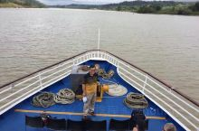 """一大早出发耗10小时航程走完巴拿马运河全程,从太平洋来到大西洋。巴拿马人称为""""Full Tranit"""