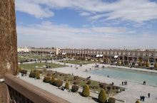 """观光""""神秘面纱""""下的广场      ——伊玛目广场  今年暑假,我们全家来到伊朗旅,我们办完入住便去"""