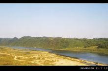 这个风景区坐落在辽宁省丹东市凤城市,这里依山傍水,风景秀丽,是辽东地区新增的一处集自然风光,休闲娱乐
