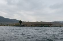 断桥边的朝鲜半岛乡村