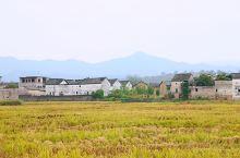 河源和平县林寨古村 这里是中国最大的四角楼古建筑群,保护得十分完整,也蕴含深厚的文化底蕴,最大的四角
