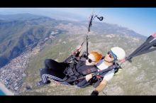 小果妮土耳其游记!第三站!费特希耶! 这次的视频主要带大家感受一下坐滑翔伞的感觉! 视频有点长请耐心