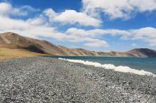巴木措 又称布喀池 藏语意思是勇士湖 湖面海拔4555米 年均气温约1℃ 面积180平方公里 就是这