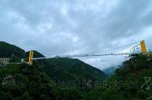 天台山 白鹤镇 龙穿峡 玻璃栈道加玻璃斜拉桥,穿过瀑布让你双腿发软。