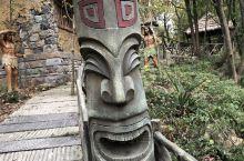 丁沙地遗址,属江苏省句容县宝华林场。出土石器、骨器、陶器等实物,是宁镇地区发现的较早期的新石器时代遗