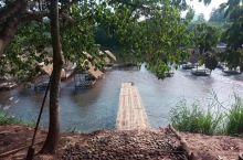 """万荣,一个远离现代气息的""""村庄""""         被中国人称之为""""小桂林""""万荣,是老挝一个很棒的休闲"""