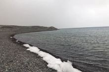日喀则最大的湖泊,佩枯措。3OO平方公里有多大呢?差不多西宁市区面积!可惜太荒凉了。