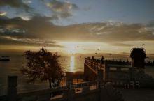 抚仙湖的朝霞映满天