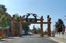 官畲,一个传统的畲族村落,有着独特的人文历史,畲乡习俗在此扎根,淳朴的民风会让人心生欢喜。 在这片致