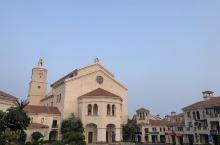 漳州南炮台边上的西班牙小镇,知道的人不多。建筑物很有特色。夕阳,微风,淡淡的海水,一切都是那么惬意,