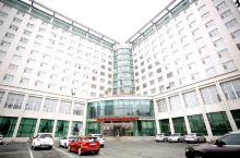 新华苑宾馆:清静幽雅、宽敞明亮、一尘不染、光亮如镜、金碧辉煌、环境优雅、干净整洁。