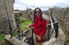 世界上最古老、国土面积最小的共和国之一的圣马力诺共和国,四周被意大利的里米尼包围着。因为国家生产精美