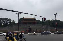 这个公园位于广汉雒城西南,是唐代名相房琯被贬谪到汉州做刺史的时候建造的。公园树木葱茏,建筑兼具江南园