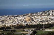 【莫斯塔教堂】 马耳他莫斯塔(Mosta)教堂是仅次于圣彼得大教堂和伊斯坦布尔索菲亚大教堂的欧洲第三