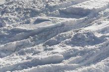 雪地里撒欢的越野车!