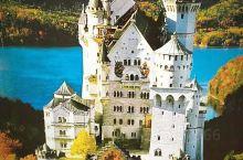 新天鹅堡位于德国巴伐利亚州的西南方,距离啤酒之乡慕尼黑也就一个半小时的车程。  慕尼黑是巴伐利亚州