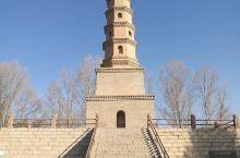 永昌北海子塔,又名观河楼塔。原为唐代金川寺所属,后毁于战乱。明永乐十四年(1416年)复修大寺时,在