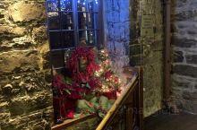 Gibbys是一家位于蒙特利尔的海鲜餐厅,餐厅的布置很有特色,温馨,温暖,我们一行3人点了餐厅的特色
