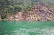白盆珠水库,这水一如既往的绿,可以和九寨沟的一种颜色的水比拼了。