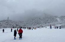 喜欢玩雪的朋友可以去,还是很好玩儿的! 要去的朋友一定要准备高手套、鞋套、滑雪装备。 1.准备好手套