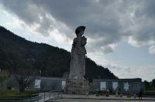 客家首府,在母亲缘广场上看的代表客家母亲形象雕塑,同时也拥有着红色革命史的一座城市。