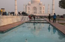 印度,阿格拉,泰姬陵,印度行程最惊艳的景点,只有身临其境才能感受她的壮美。本来安排傍晚时分去看夕阳下