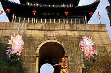 """剑门关,位于四川省剑阁县城北约40公里。 李白诗《蜀道难》里""""一夫当关万夫莫开""""说的就是这里。沧海桑"""