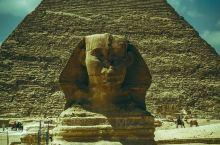 看金字塔和狮身人面像,要经历在埃及的第一个考验——晒。站在毫无遮拦的茫茫沙漠中,也只有来自世界奇迹的
