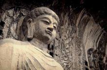 卢舍那大佛据说是根据武则天的面容而建造的!看上去十分的平静和安详!实在是让人感叹,人类的力量竟然能在