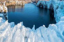 作为中国最大、世界第二大的高山堰塞湖,镜泊湖水质澄清、水产丰富、鱼肉鲜美,举办冬捕节使用传承已久的中