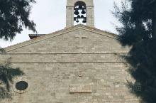 """圣乔治东正教堂,位于享有""""马赛克之城""""盛誉的马达巴。马达巴,是约旦主要旅游城市之一,是一个有三千多年"""