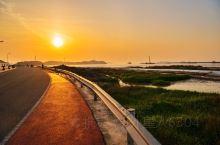 大洋山的日落! 从上海去大洋山非常方便,从南浦大桥大巴加渡船就可以到。坐一点半的渡船一刻钟就可以上岛
