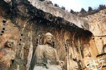 古阳洞开凿于北魏时,距今已有1500年历史,是龙门石窟中开凿最早的一个石窟.洞内小窟十分多,精巧富丽