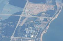 从天空中俯揽中国的海岸线,地铁在哪儿并不清楚,在飞机上没法看地图。