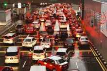 """吉隆坡旅行——繁忙的吉隆坡交通,在这里真的是无""""堵""""不""""欢"""",只要一到上下班高峰期,堵车堵的真的生无"""