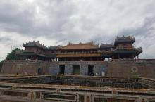 古朴宁静的顺化古城。顺化是越南最后一个王朝阮朝的古都。世界文化遗产顺化皇城,在越战期间惨烈的巷战几乎