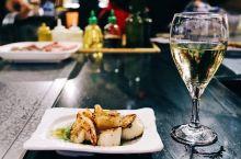 抵达塞班岛,度假就是从美食开始,准备把PIC的几个餐厅吃个遍。晚餐选择伊斯拉日式铁板烧ISLA,我选