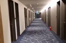 这家酒店真心不错,干净、卫生,环境也很好,是来韩国之旅的住宿首选!很棒!特别是这家酒店办理入住手续时