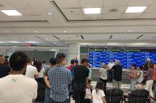 从广州飞往多伦多,历经将近20个小时的飞行时间,刚刚降落多伦多皮尔逊国际机场,途中飞过亚洲北部的黄海