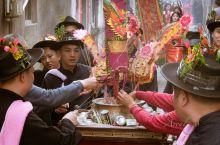 """营老爷是广东潮汕地区的一种传统民俗祭祀活动,营神的营,是潮汕方言。""""老爷""""在潮汕地区指一个镇或村的守"""