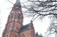 隆德(Lund)跟丹麦的哥本哈根隔条河,所以飞到哥本哈根,接着坐火车去了Lund。在机场自动售票地方